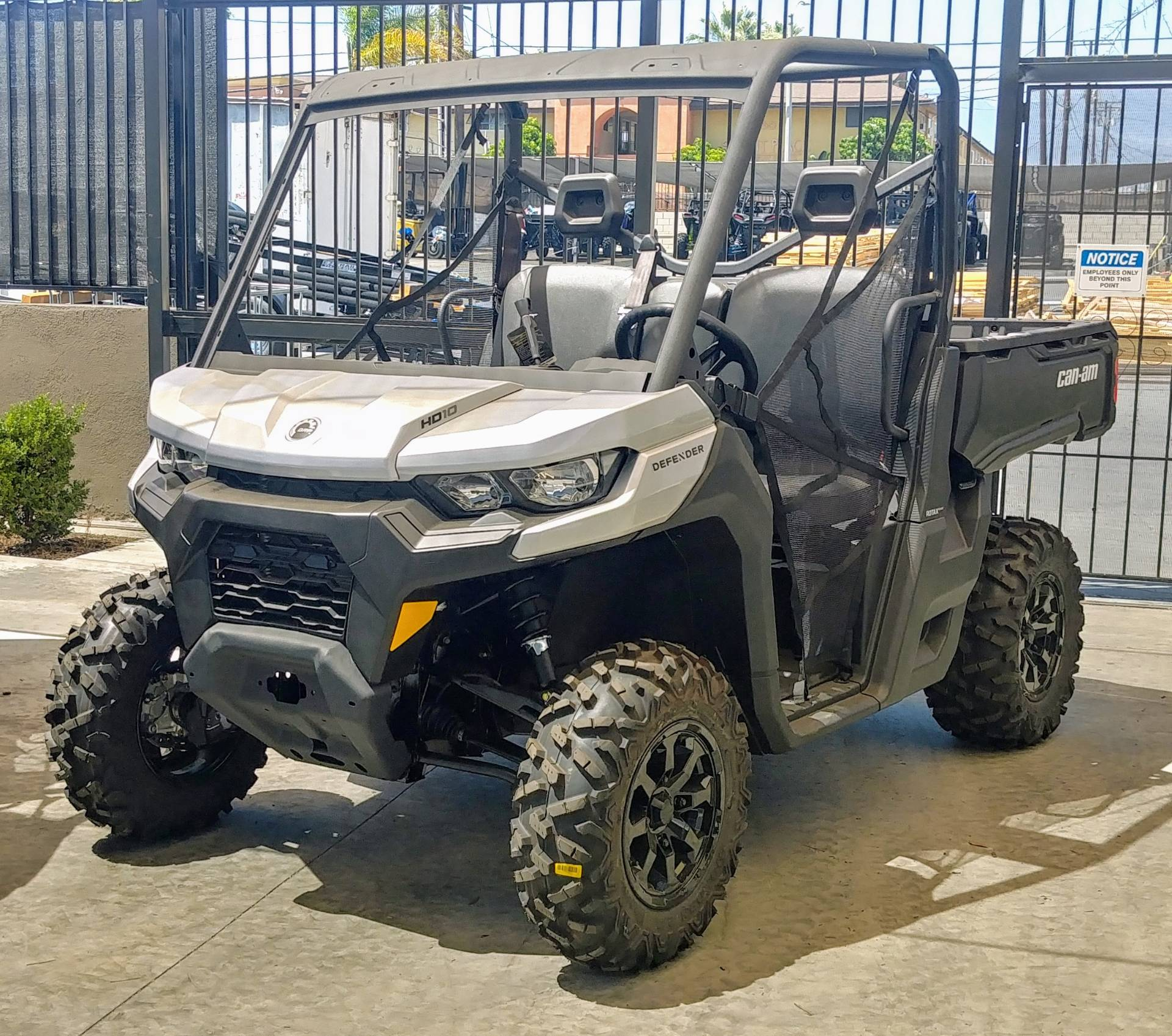 2020 Can-Am Defender DPS HD10 in Ontario, California - Photo 4