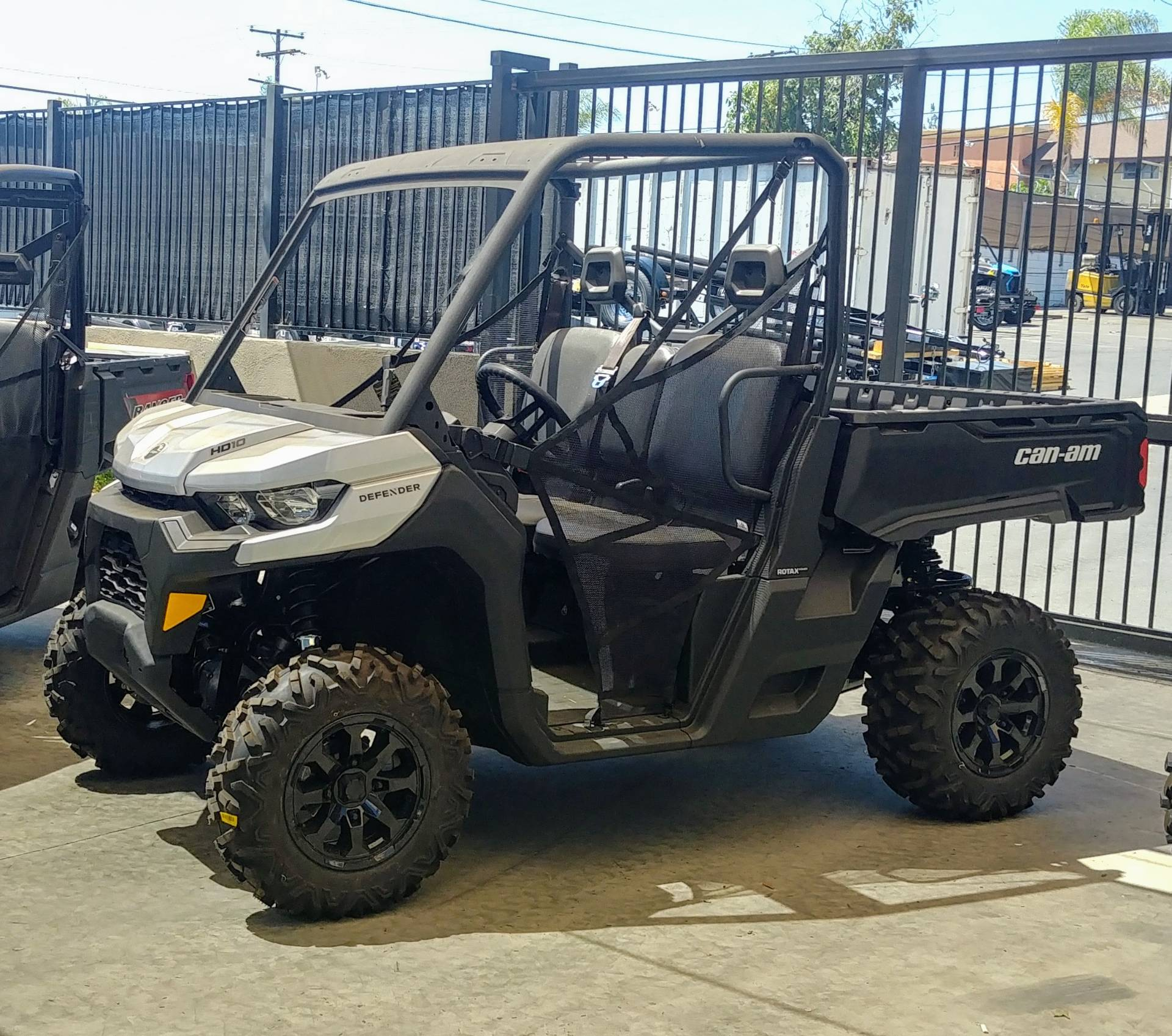 2020 Can-Am Defender DPS HD10 in Ontario, California - Photo 5