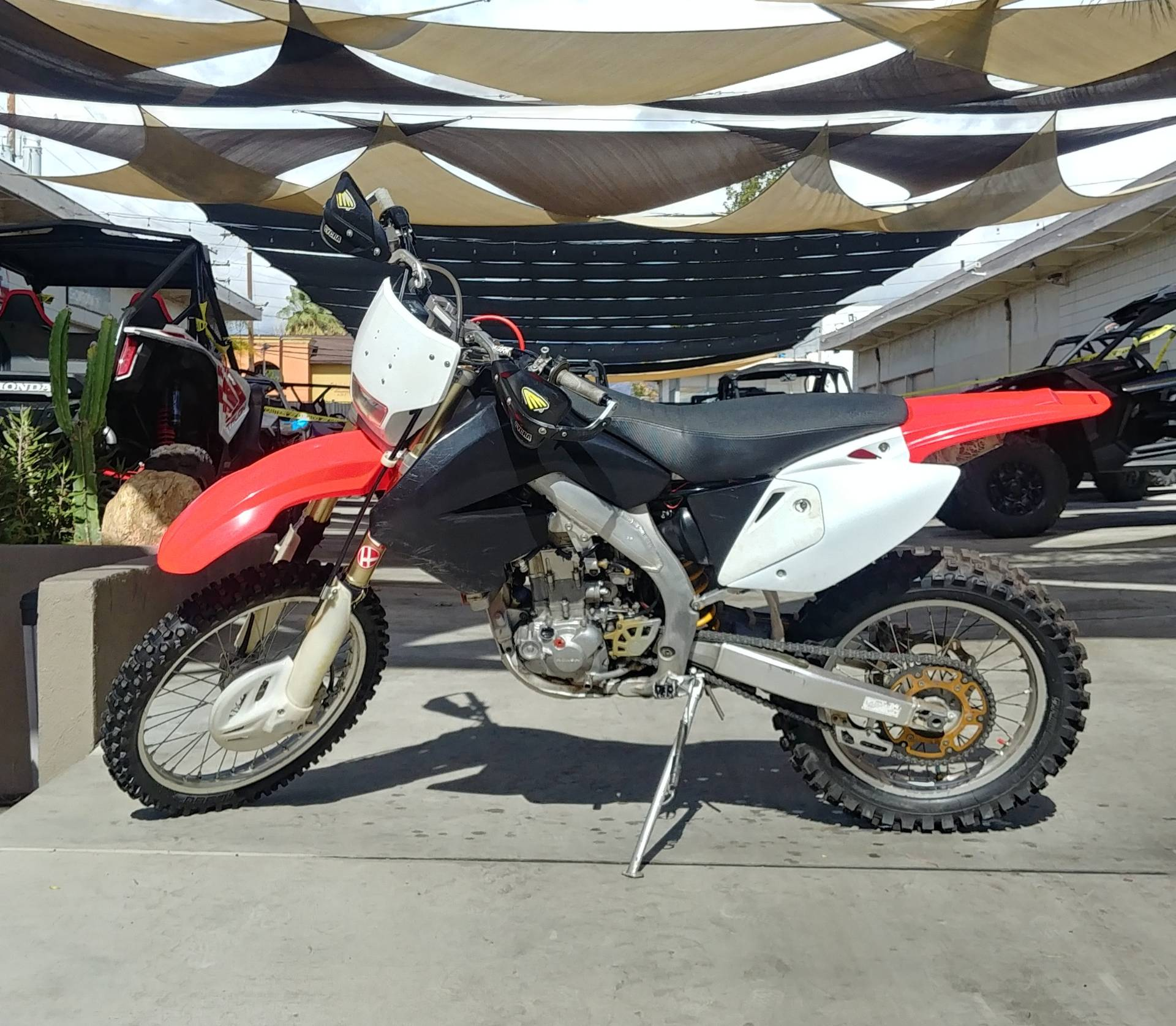 2005 Honda CRF™450X in Ontario, California - Photo 2