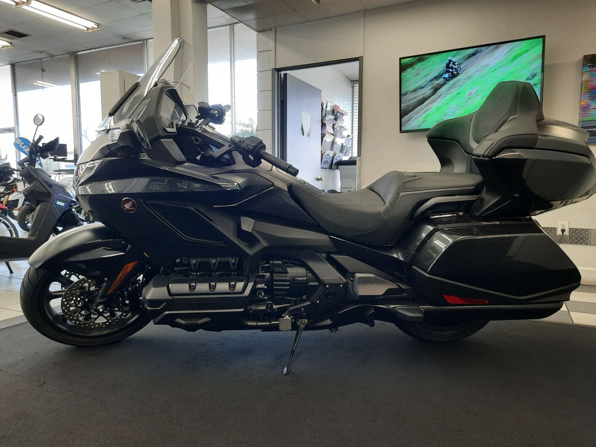 2021 Honda Gold Wing Tour Automatic DCT in Ontario, California - Photo 4