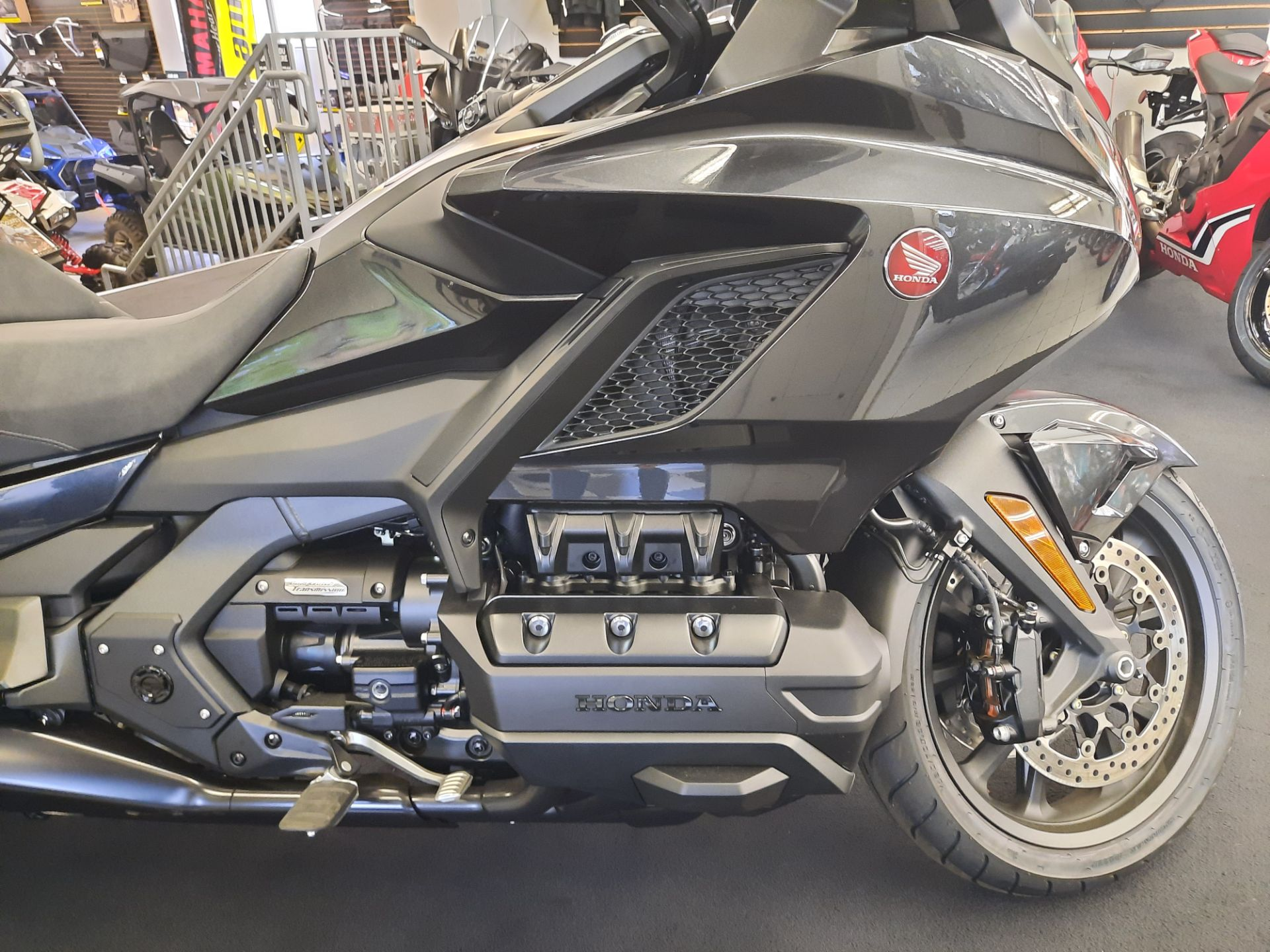 2021 Honda Gold Wing Tour Automatic DCT in Ontario, California - Photo 8