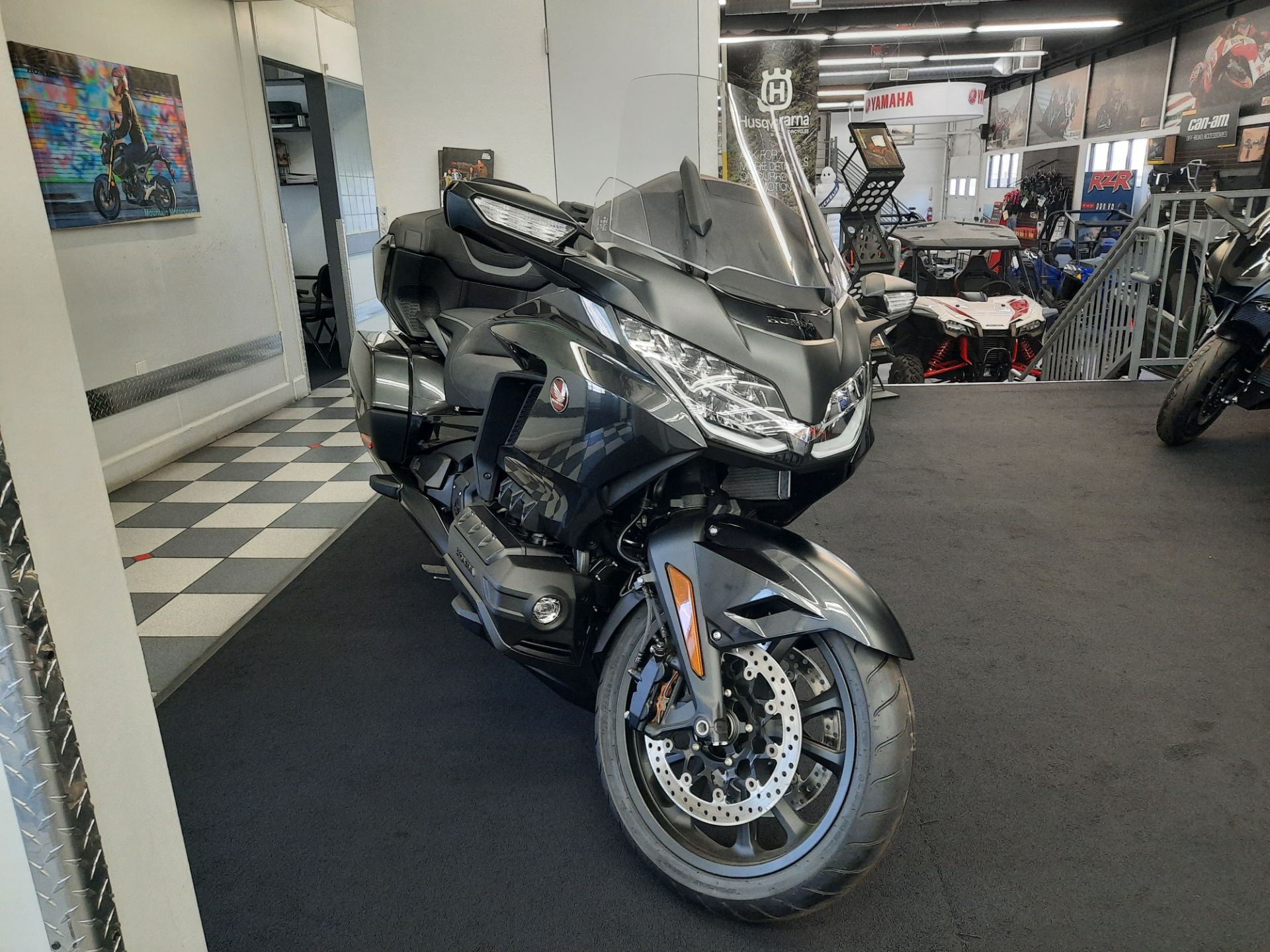 2021 Honda Gold Wing Tour Automatic DCT in Ontario, California - Photo 11