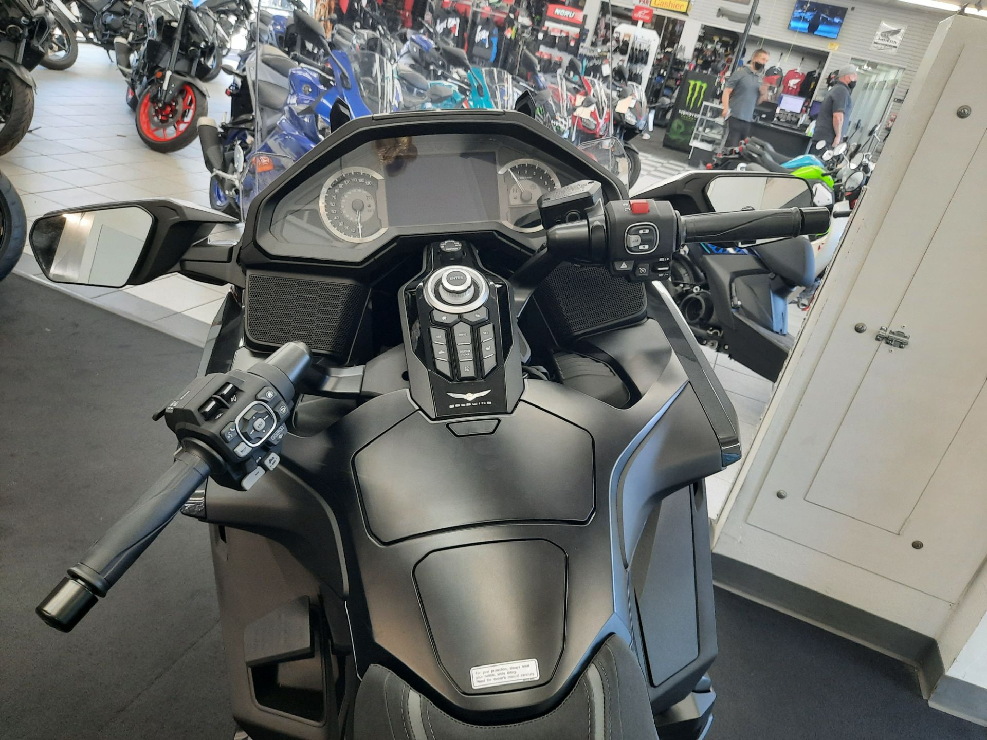 2021 Honda Gold Wing Tour Automatic DCT in Ontario, California - Photo 14