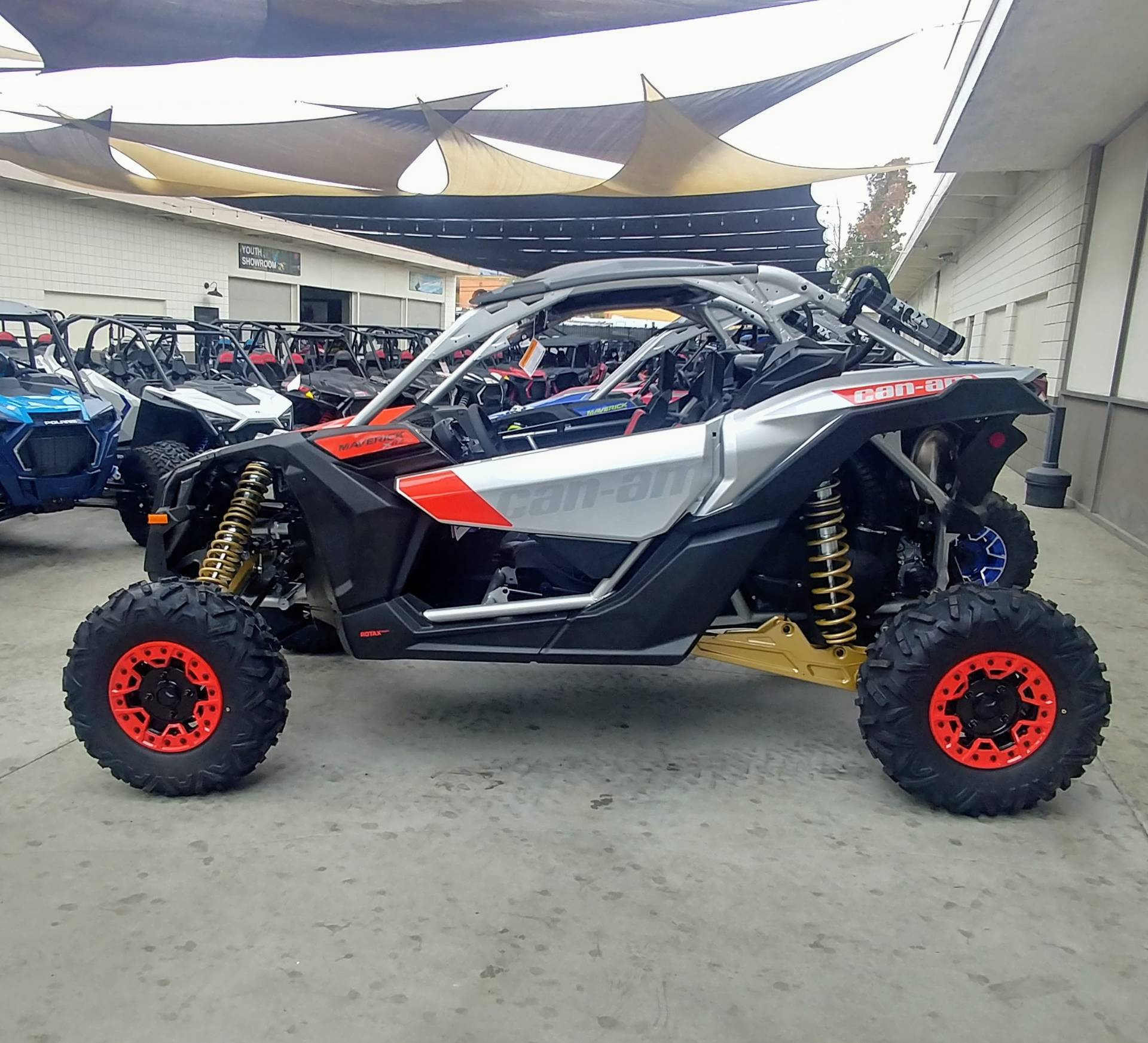 2020 Can-Am Maverick X3 X RS Turbo RR in Ontario, California - Photo 2