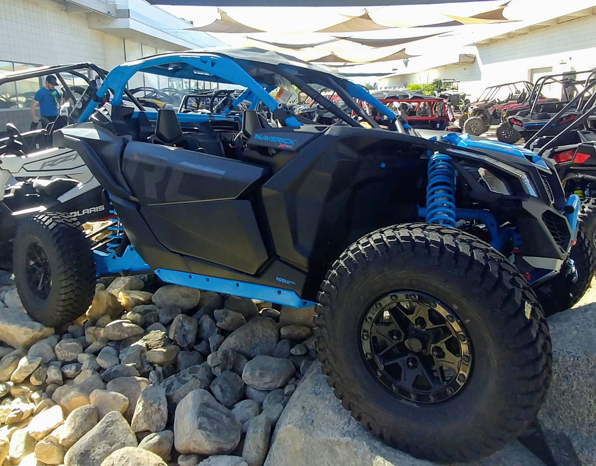 2019 Can-Am Maverick X3 X rc Turbo R in Ontario, California - Photo 3
