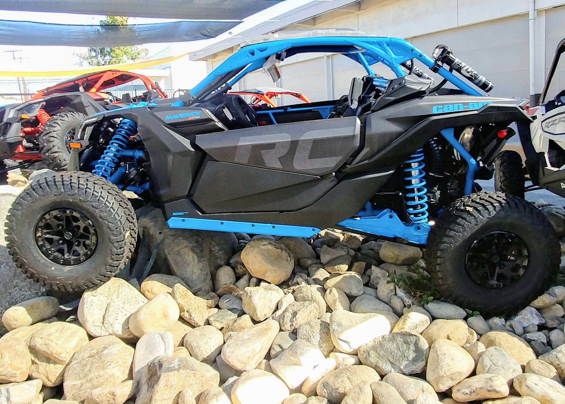2019 Can-Am Maverick X3 X rc Turbo R in Ontario, California - Photo 5