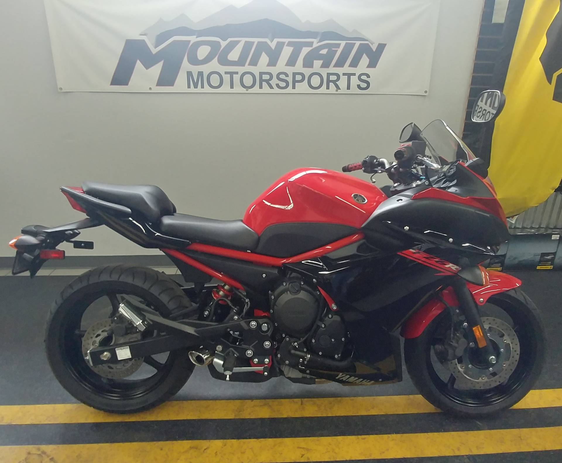 2015 Yamaha FZ6R in Ontario, California - Photo 2