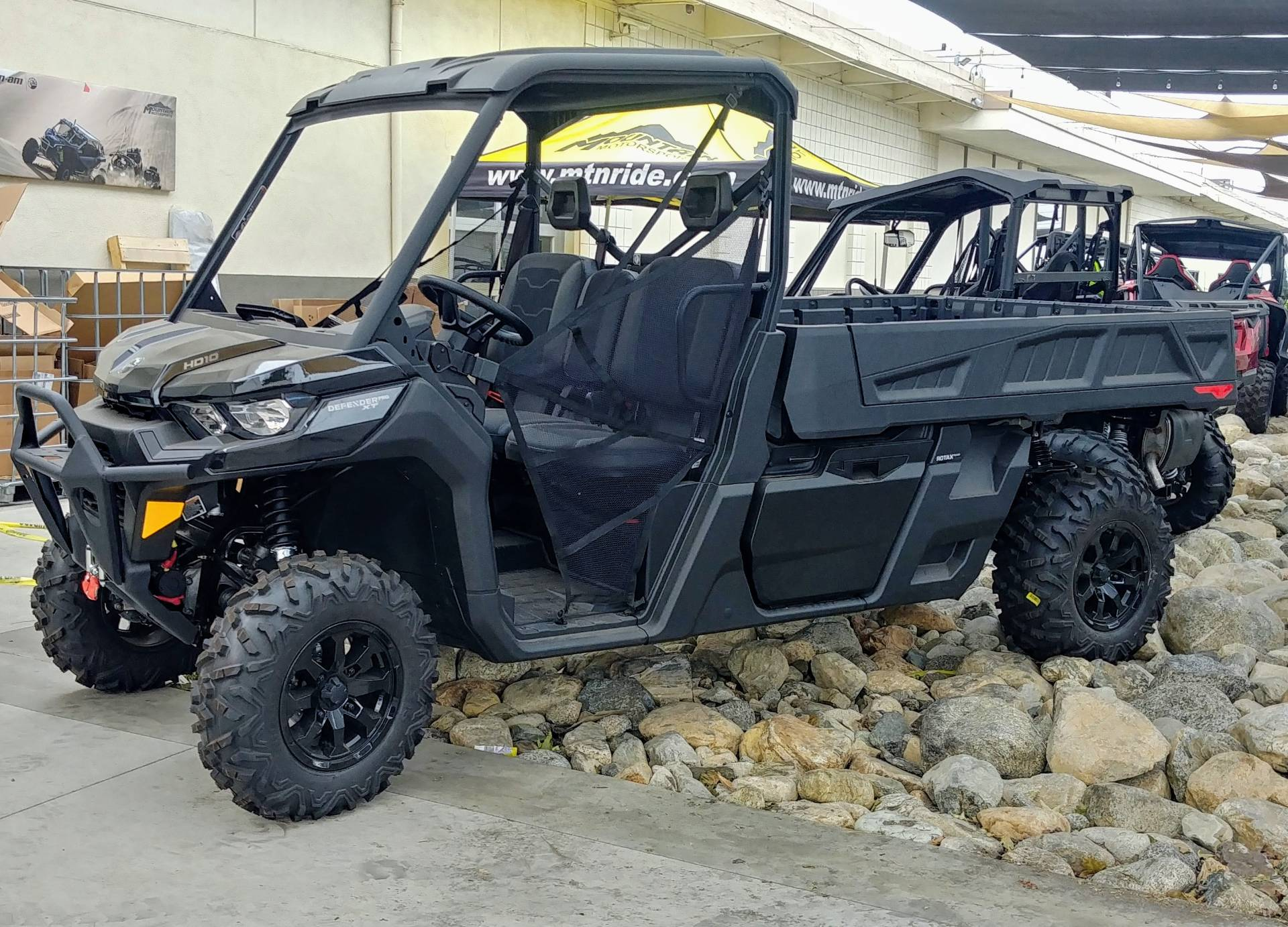 2020 Can-Am Defender Pro XT HD10 in Ontario, California - Photo 2