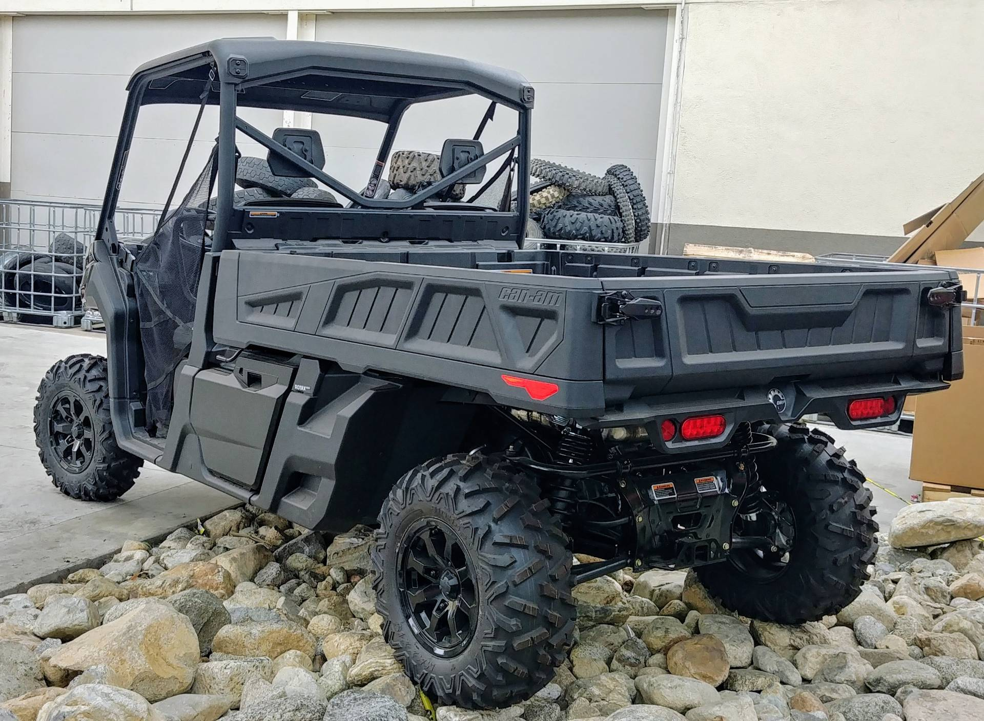 2020 Can-Am Defender Pro XT HD10 in Ontario, California - Photo 6