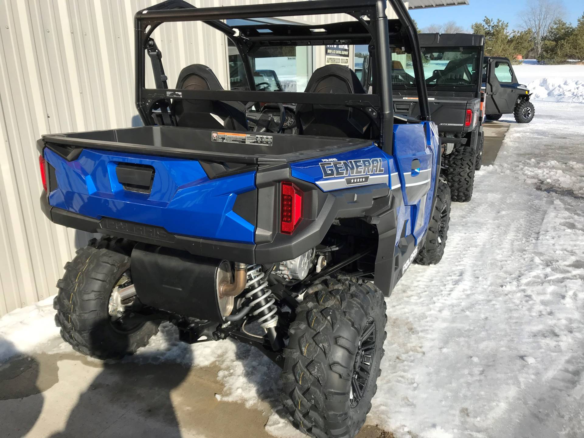 2018 Polaris General 1000 EPS Premium in Hillman, Michigan