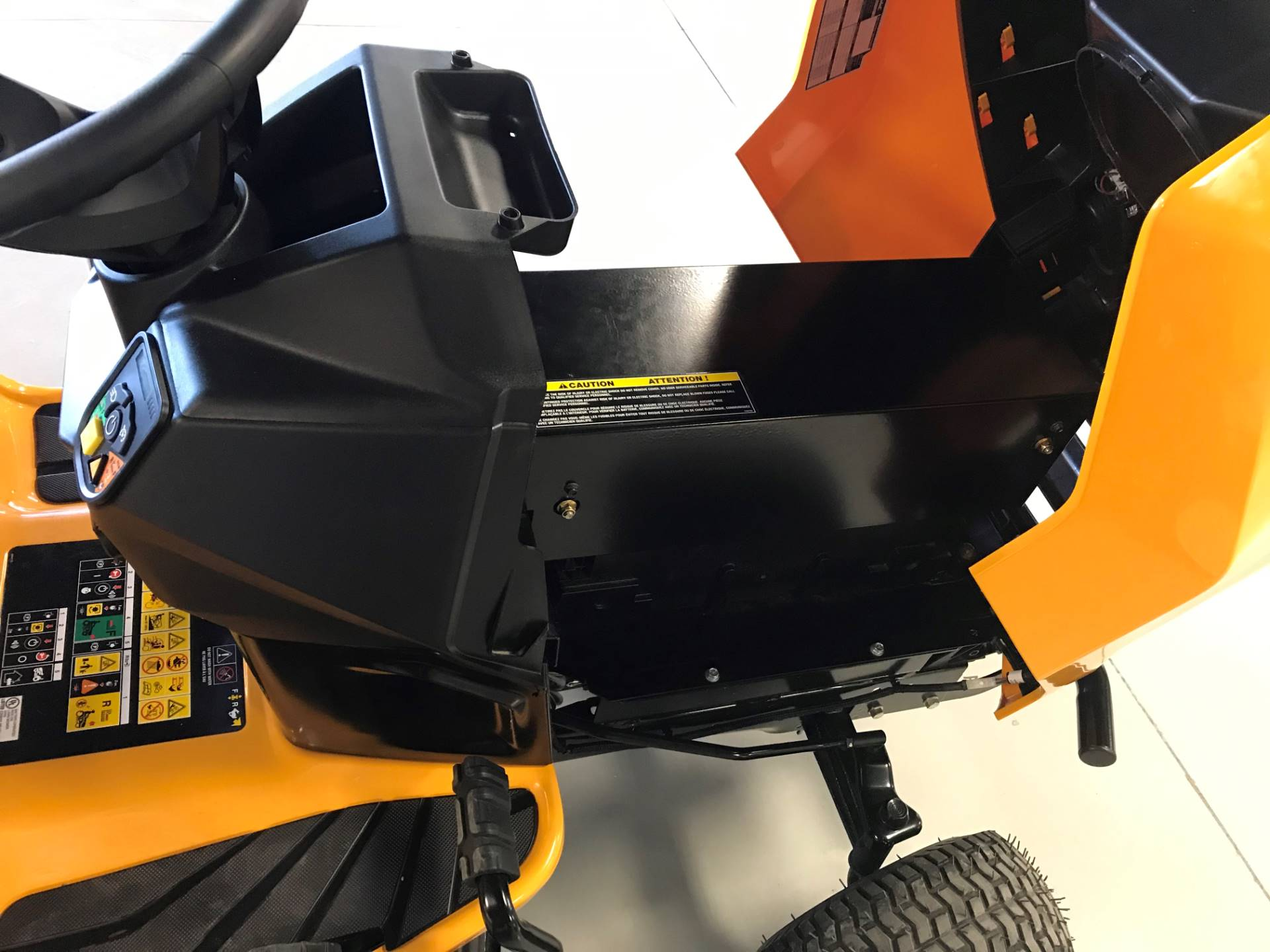 2020 Cub Cadet LT42 E 42 in. Electric in Hillman, Michigan - Photo 5