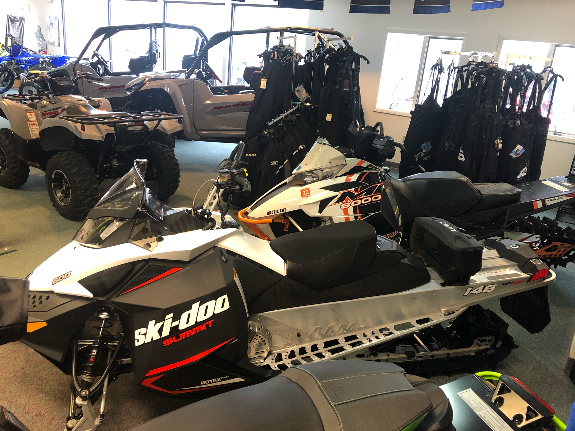 2020 Ski-Doo Summit Sport 600 Carb in Escanaba, Michigan - Photo 2