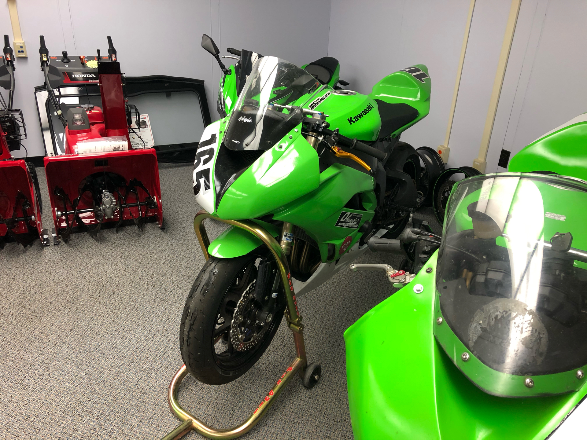2009 Kawasaki Ninja® ZX™-6R in Escanaba, Michigan - Photo 2