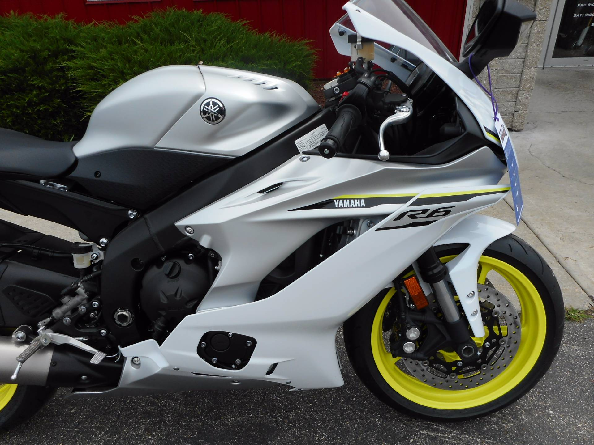 2017 Yamaha YZF-R6 in Janesville, Wisconsin