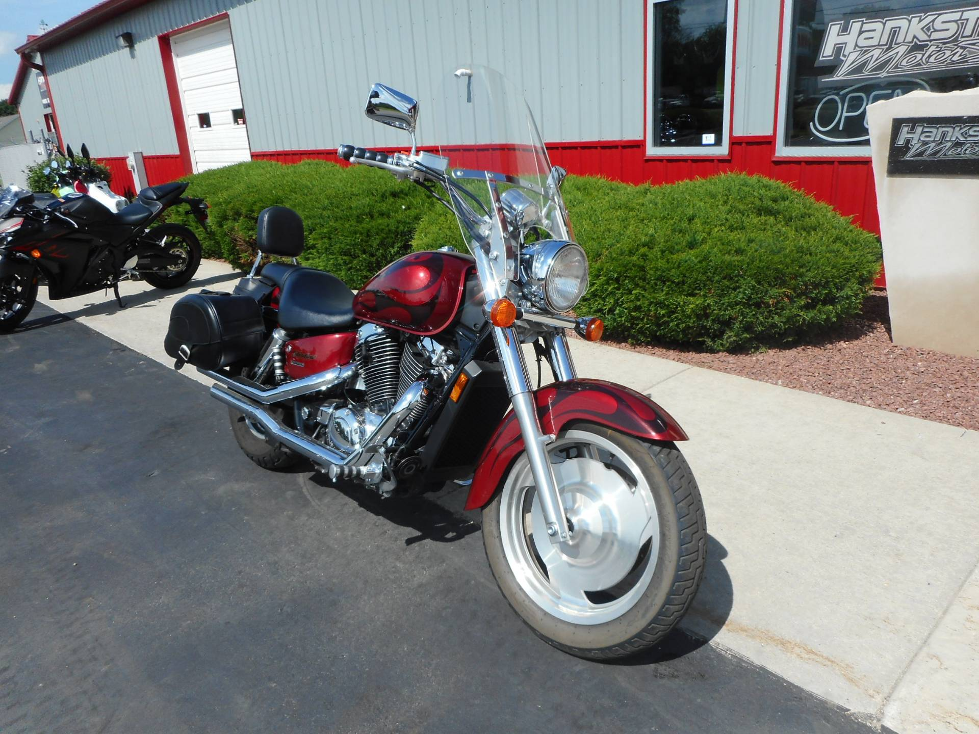 2002 Honda Shadow Sabre in Janesville, Wisconsin - Photo 2