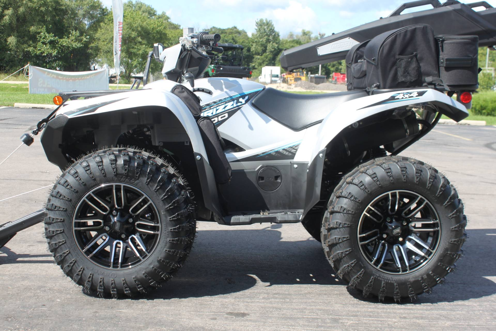 2020 Yamaha Grizzly EPS SE in Janesville, Wisconsin - Photo 9