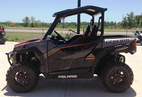 2017 Polaris General 1000 EPS Deluxe in Ottumwa, Iowa
