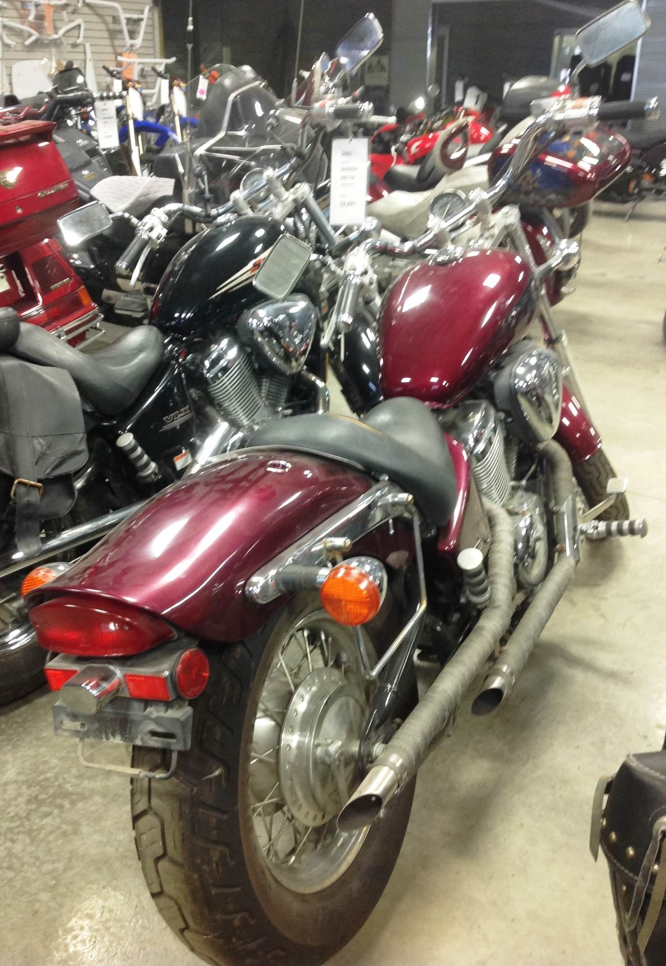 2004 Honda Shadow VLX Deluxe in Ottumwa, Iowa