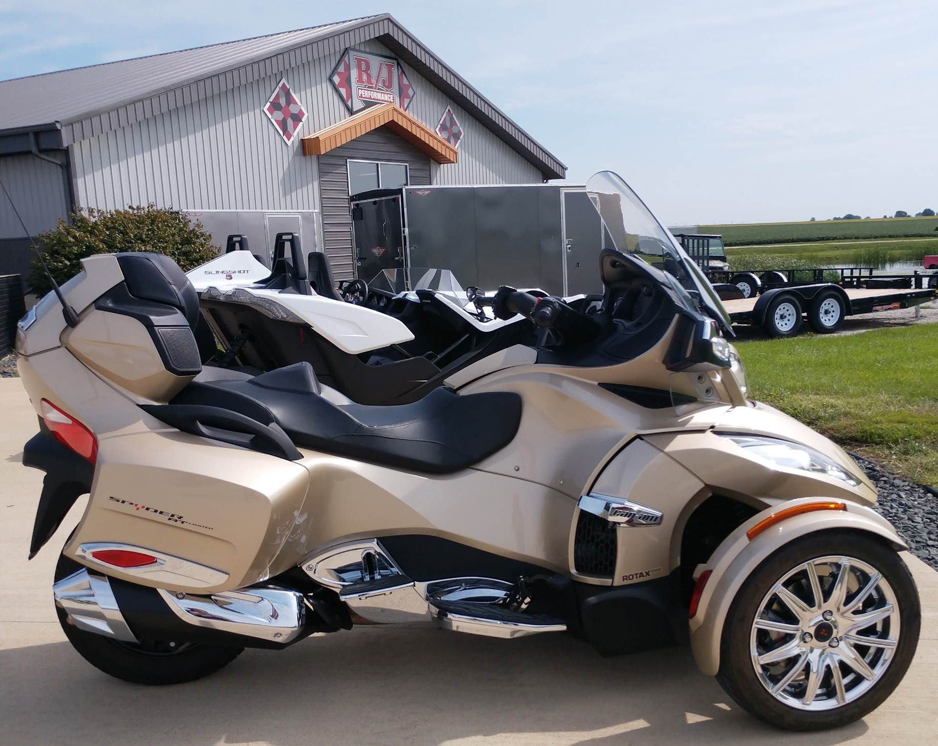 2017 Can-Am™ Spyder RT Limited 9