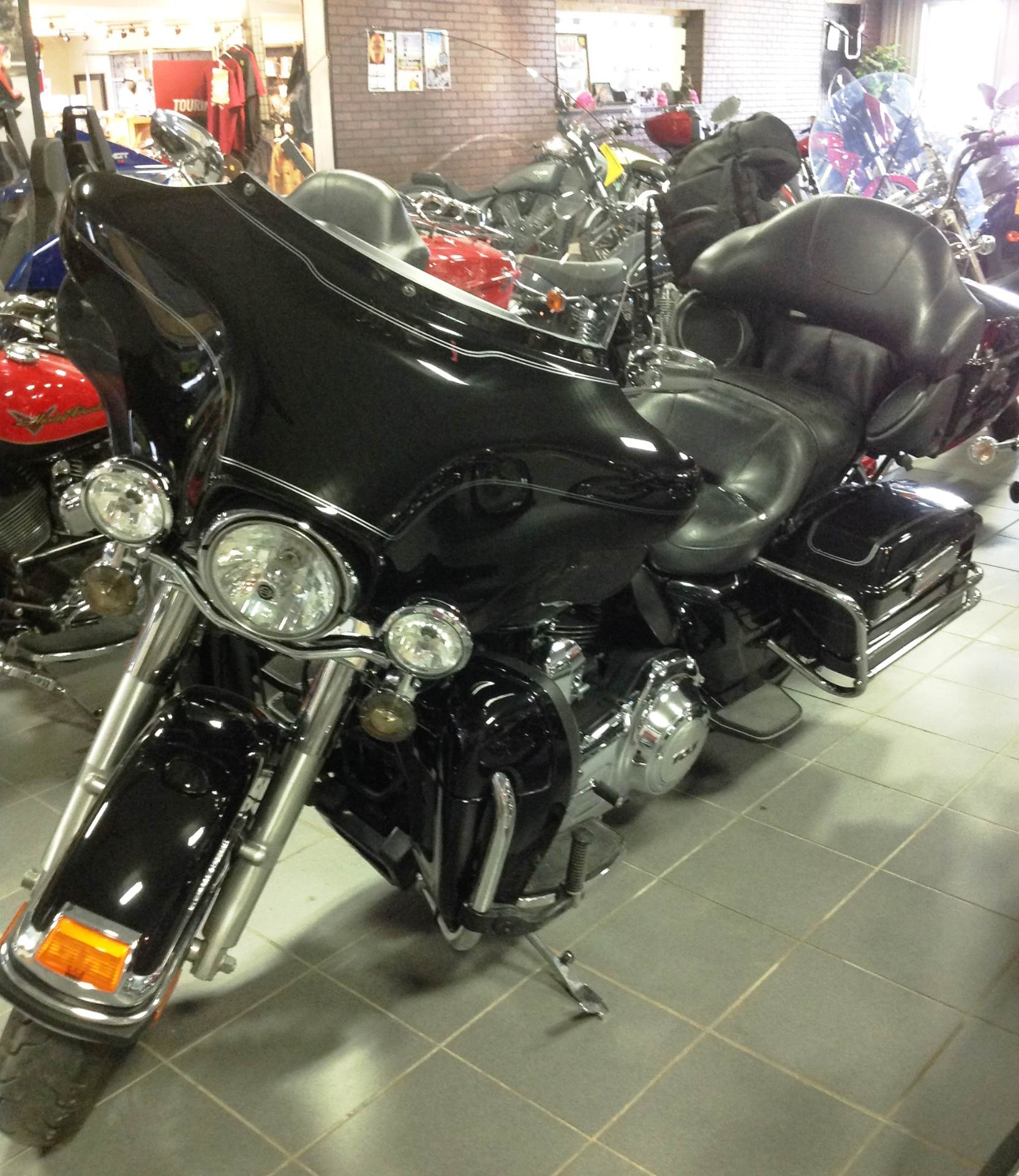 2012 Harley-Davidson Ultra Classic® Electra Glide® in Ottumwa, Iowa - Photo 2