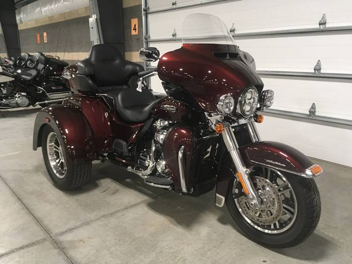 2019 Harley-Davidson Tri Glide® Ultra in Madison, Wisconsin - Photo 5