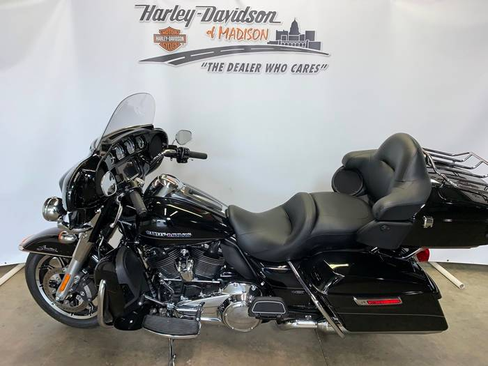 2017 Harley-Davidson Ultra Limited in Madison, Wisconsin - Photo 2