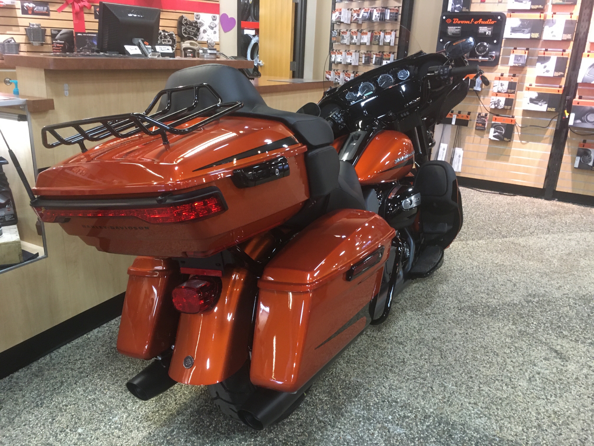 2020 Harley-Davidson Ultra Limited in Madison, Wisconsin - Photo 3
