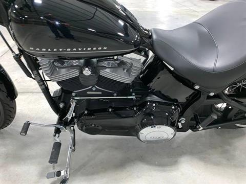 2012 Harley-Davidson Softail® Blackline® in Madison, Wisconsin - Photo 10