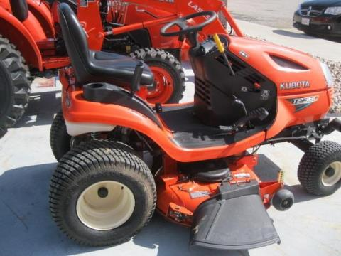 2013 Kubota T2380 in Fairfield, Illinois