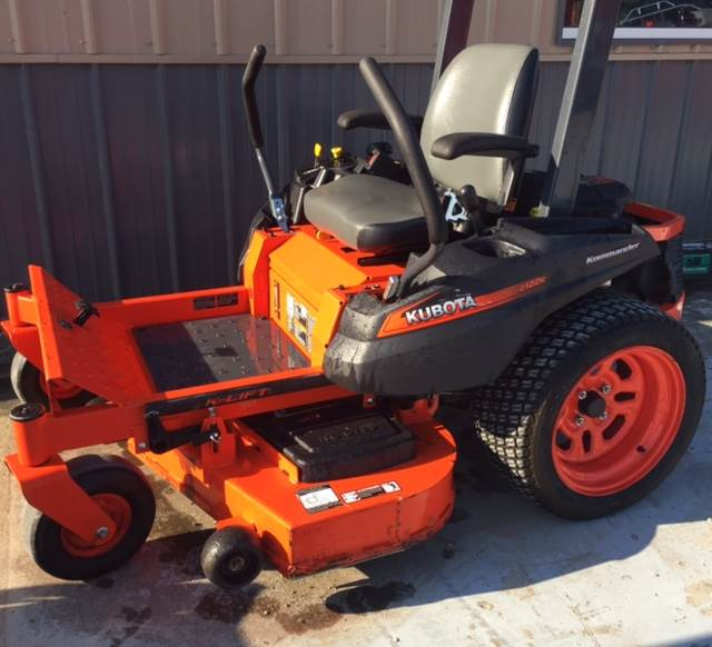 2015 Kubota Z122E-48 in Fairfield, Illinois