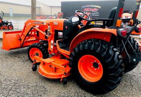2014 Kubota B3200HSD in Fairfield, Illinois