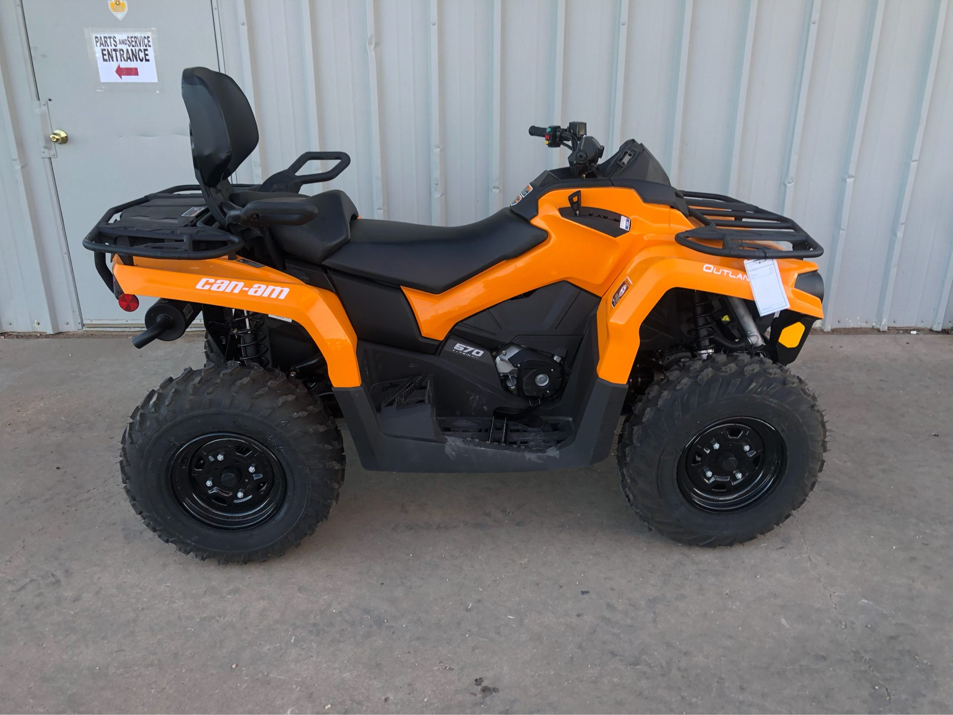 2020 Can-Am Outlander MAX DPS 570 in Amarillo, Texas - Photo 1