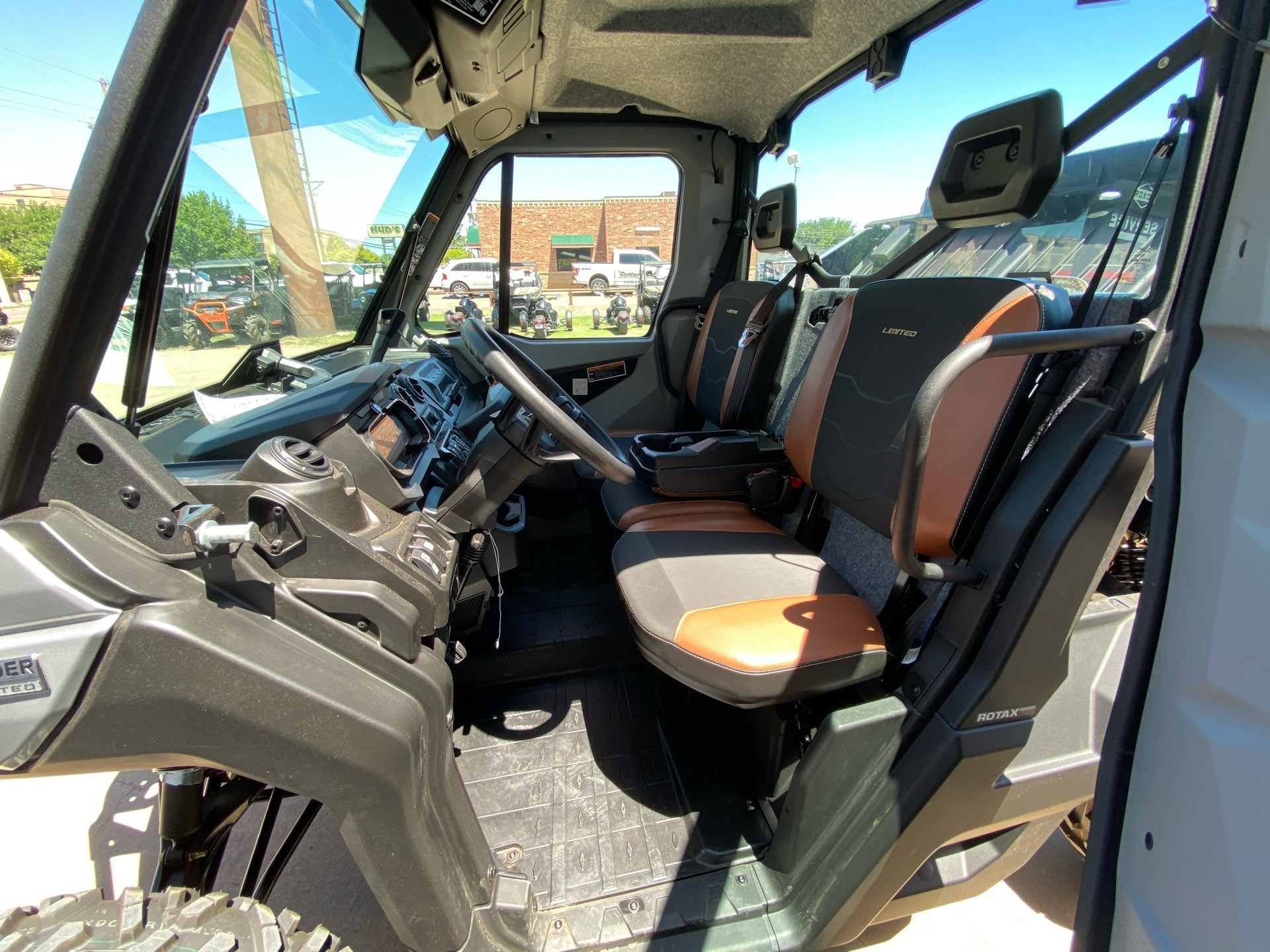 2020 Can-Am Defender Limited HD10 in Amarillo, Texas - Photo 6