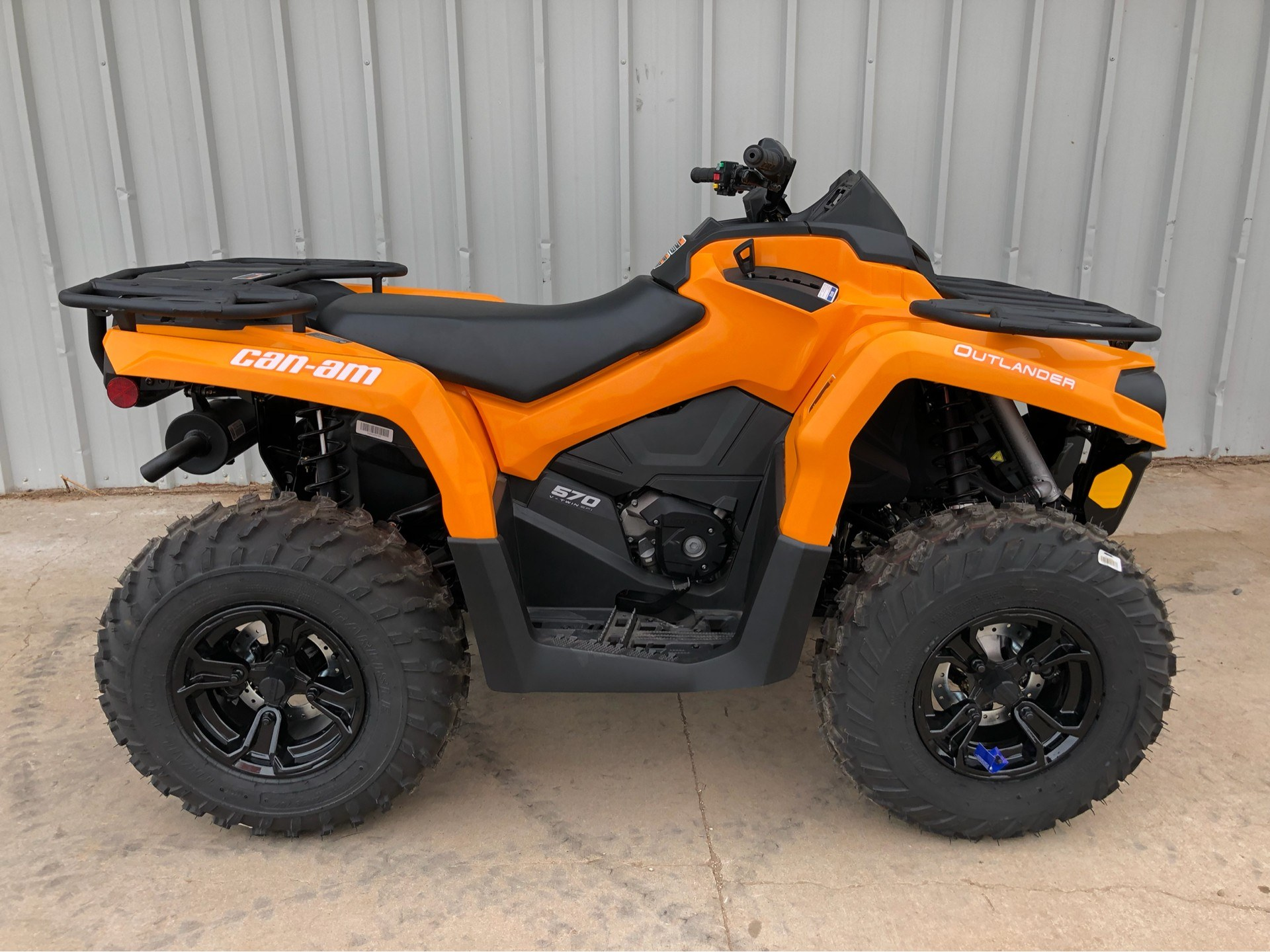 2018 Can-Am™ Outlander DPS 570 3