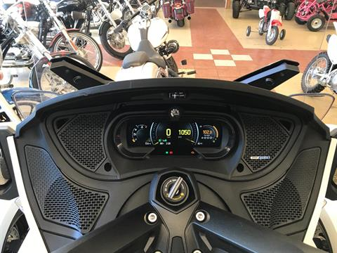 2018 Can-Am Spyder RT SE6 in Clovis, New Mexico - Photo 14