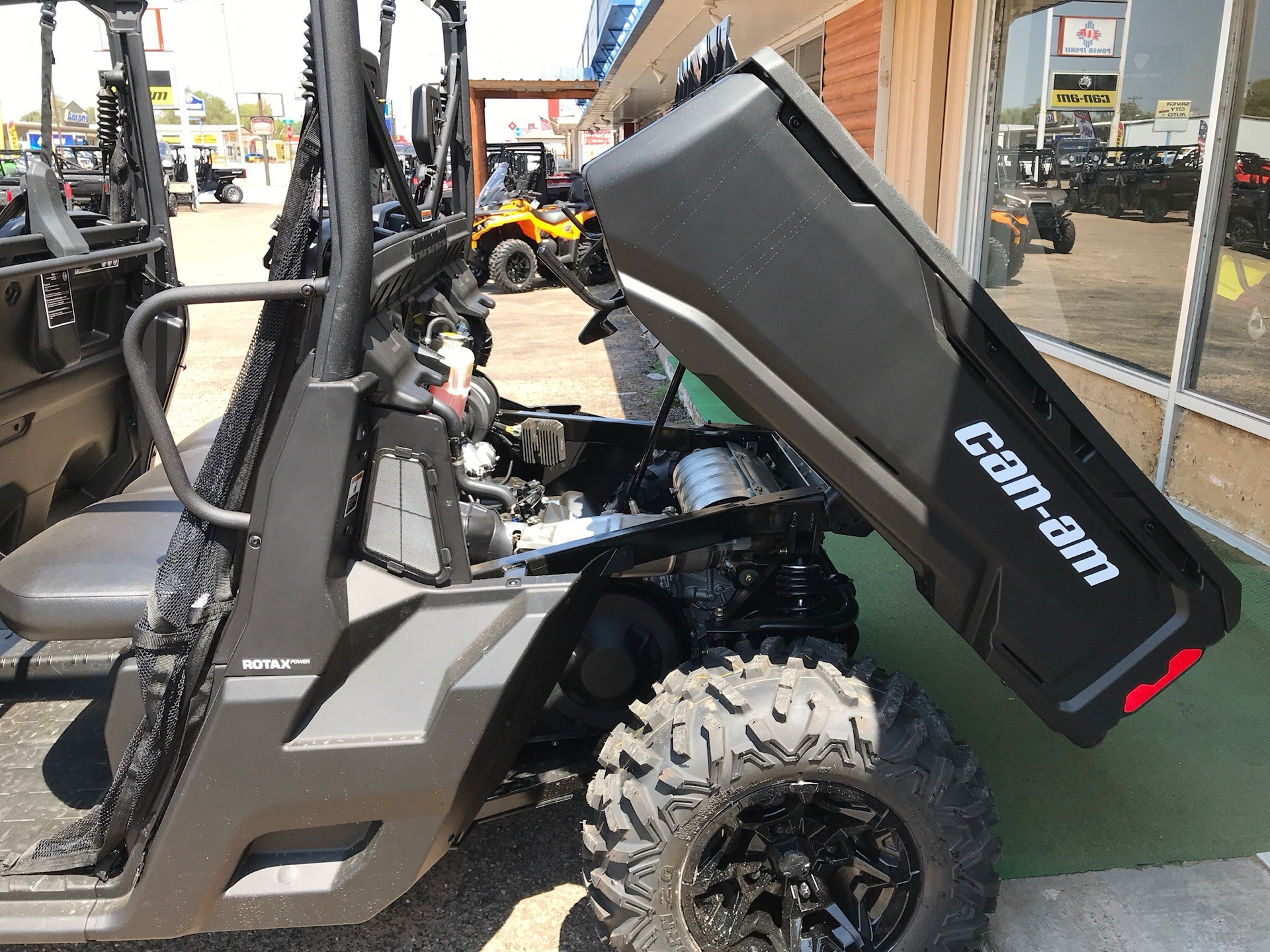 2019 Can-Am Defender MAX DPS HD8 in Clovis, New Mexico