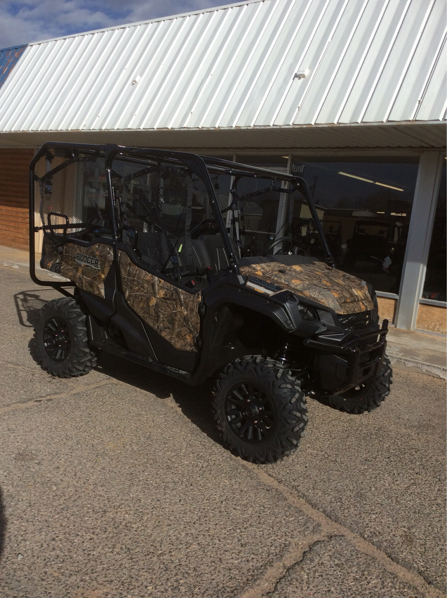 2021 Honda Pioneer 1000-5 Deluxe in Clovis, New Mexico - Photo 2