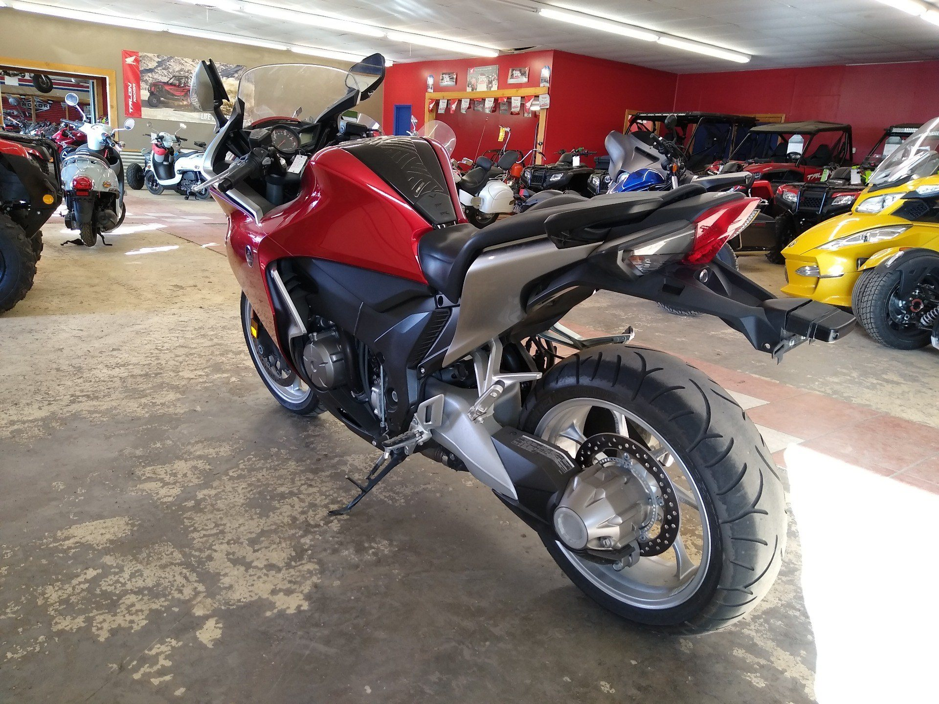 2010 Honda VFR1200F in Clovis, New Mexico - Photo 7