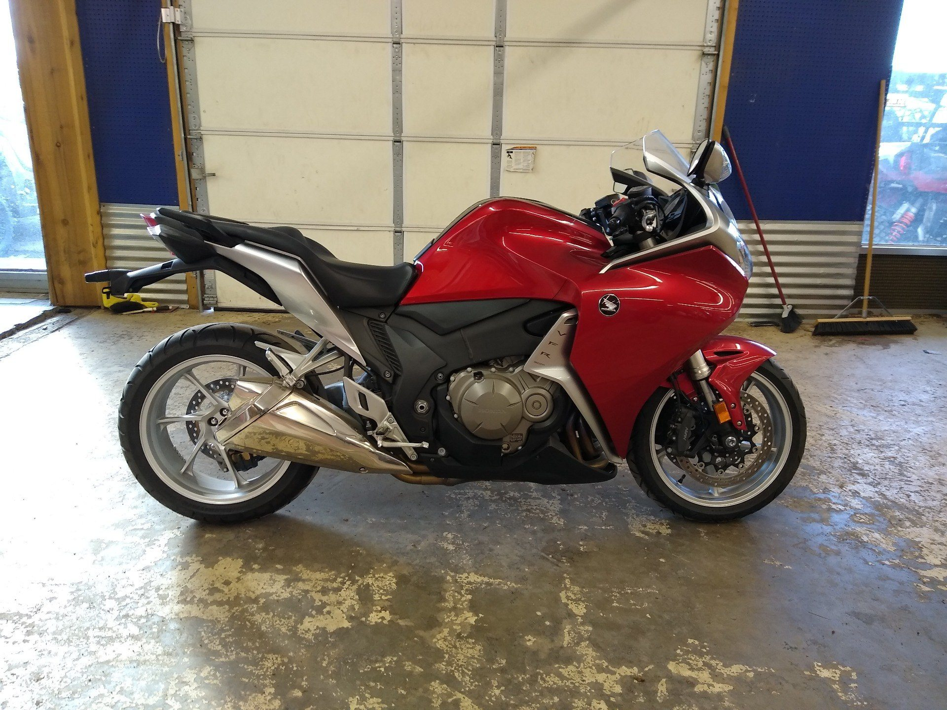 2010 Honda VFR1200F in Clovis, New Mexico - Photo 10
