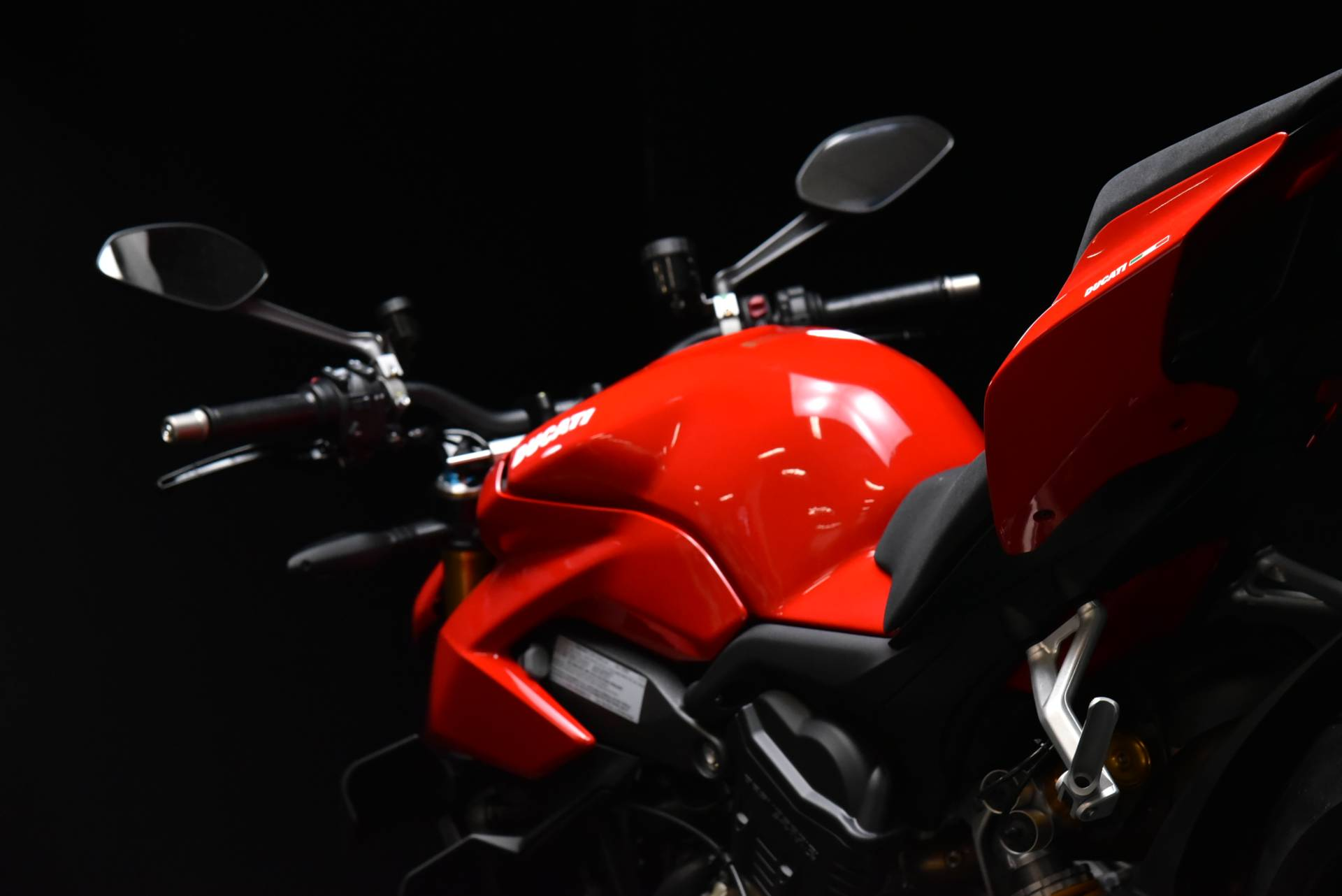 2021 Ducati Streetfighter V4 S in De Pere, Wisconsin - Photo 9