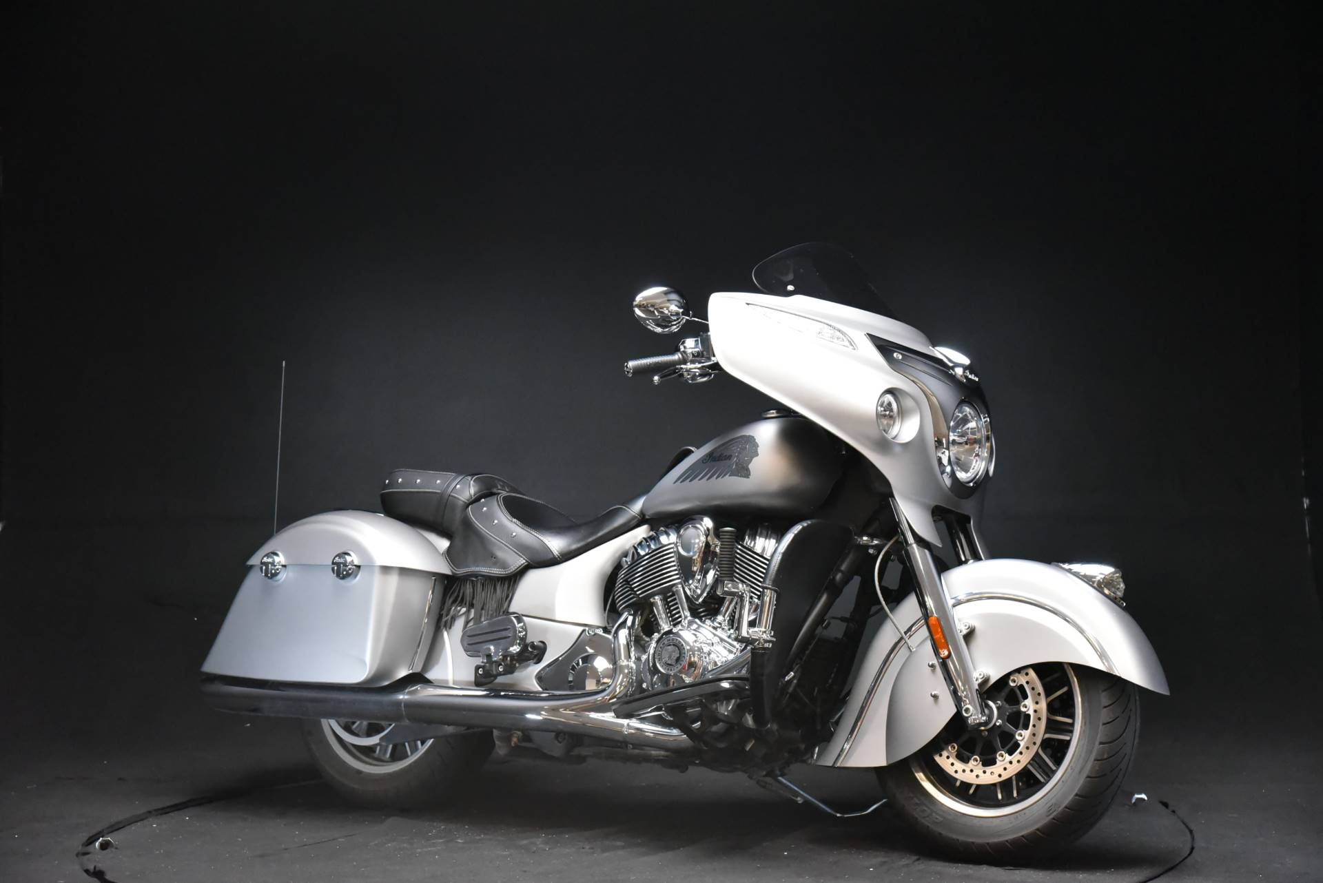 2016 Indian Chieftain® in De Pere, Wisconsin - Photo 2