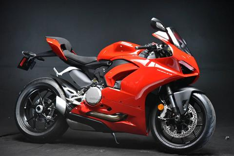 2020 Ducati Panigale V2 in De Pere, Wisconsin - Photo 2