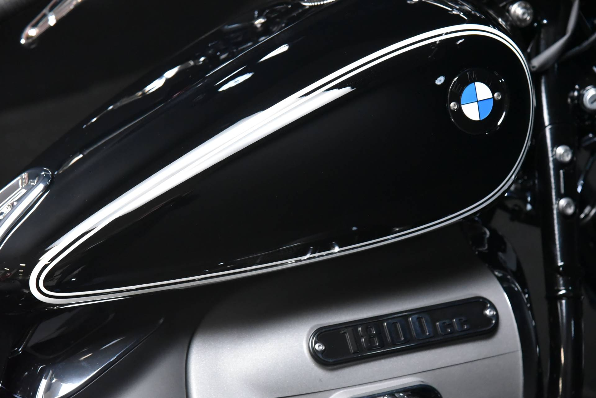2021 BMW R18 First Edition in De Pere, Wisconsin - Photo 11