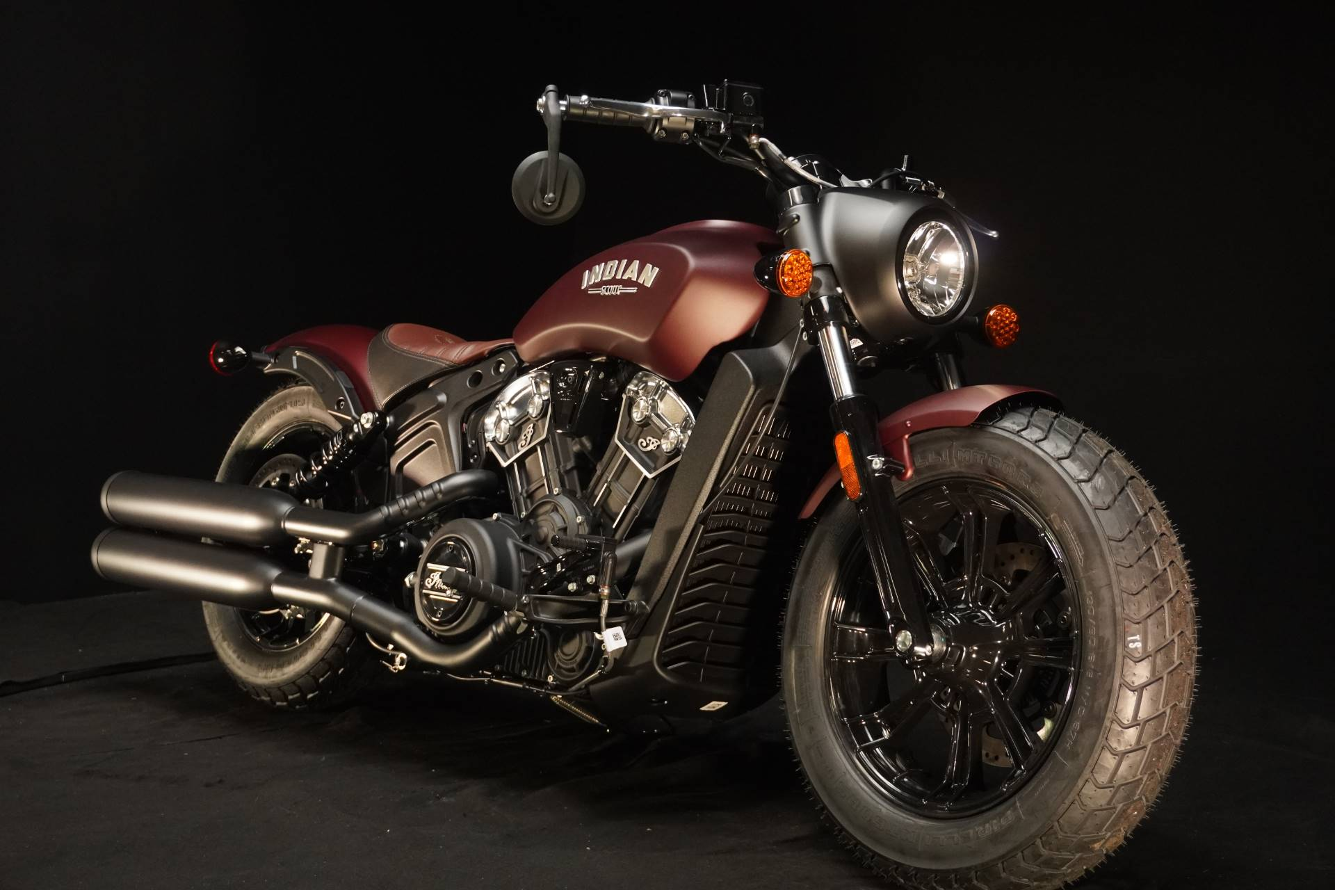 2021 Indian Scout® Bobber ABS in De Pere, Wisconsin - Photo 2