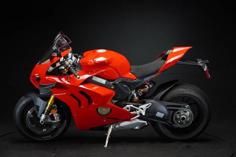 2021 Ducati Panigale V4 S in De Pere, Wisconsin - Photo 19