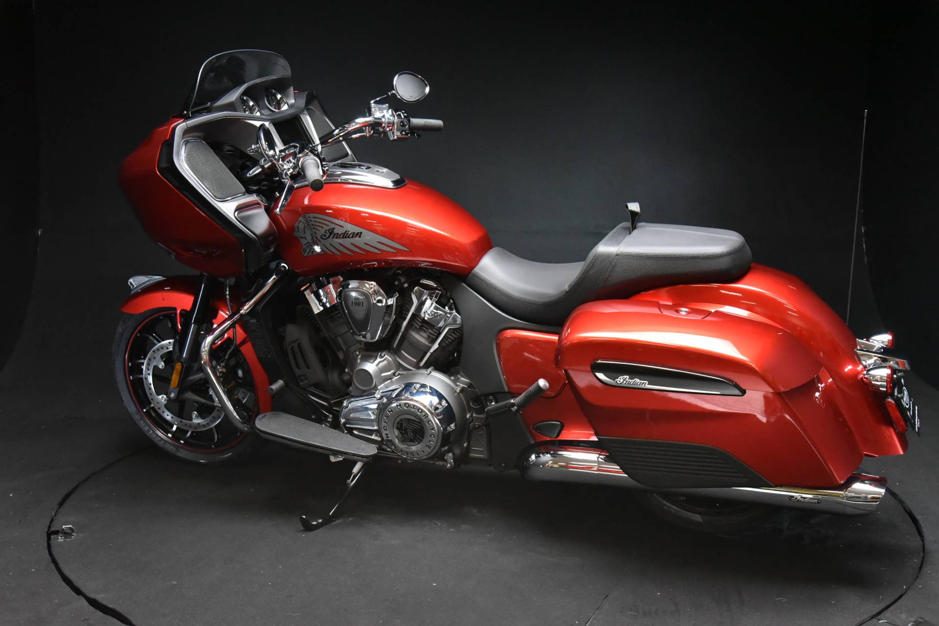 2020 Indian Challenger® Limited in De Pere, Wisconsin - Photo 11