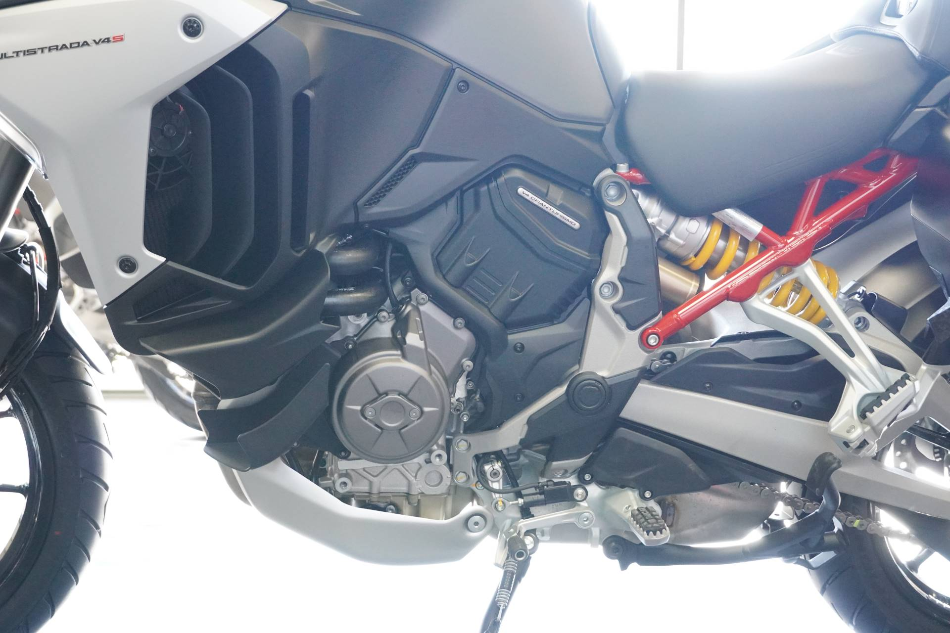 2021 Ducati Multistrada V4 S Travel & Radar in West Allis, Wisconsin - Photo 12