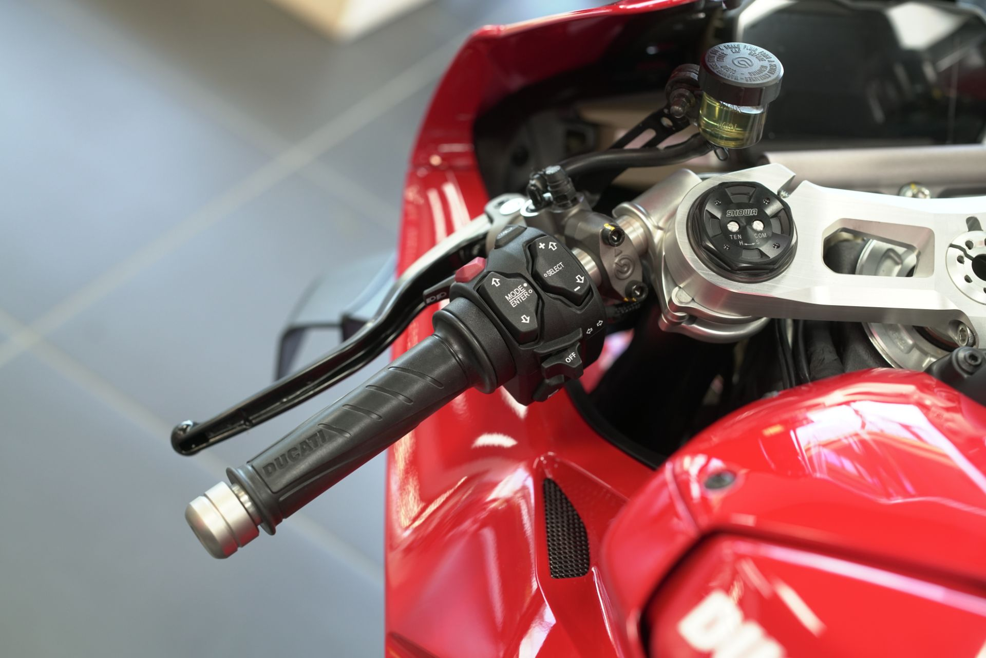 2021 Ducati Panigale V4 in West Allis, Wisconsin - Photo 5