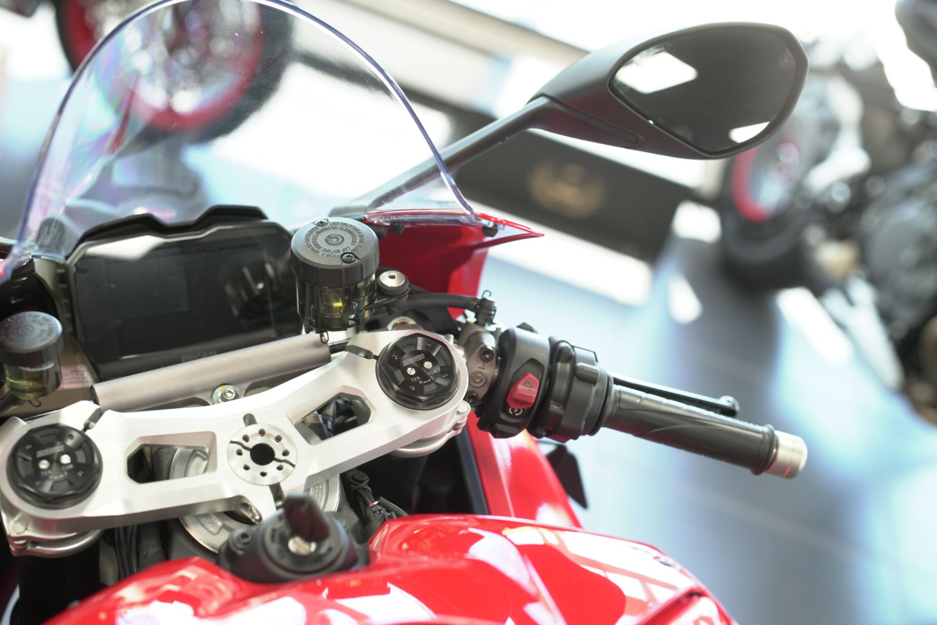 2021 Ducati Panigale V4 in West Allis, Wisconsin - Photo 6
