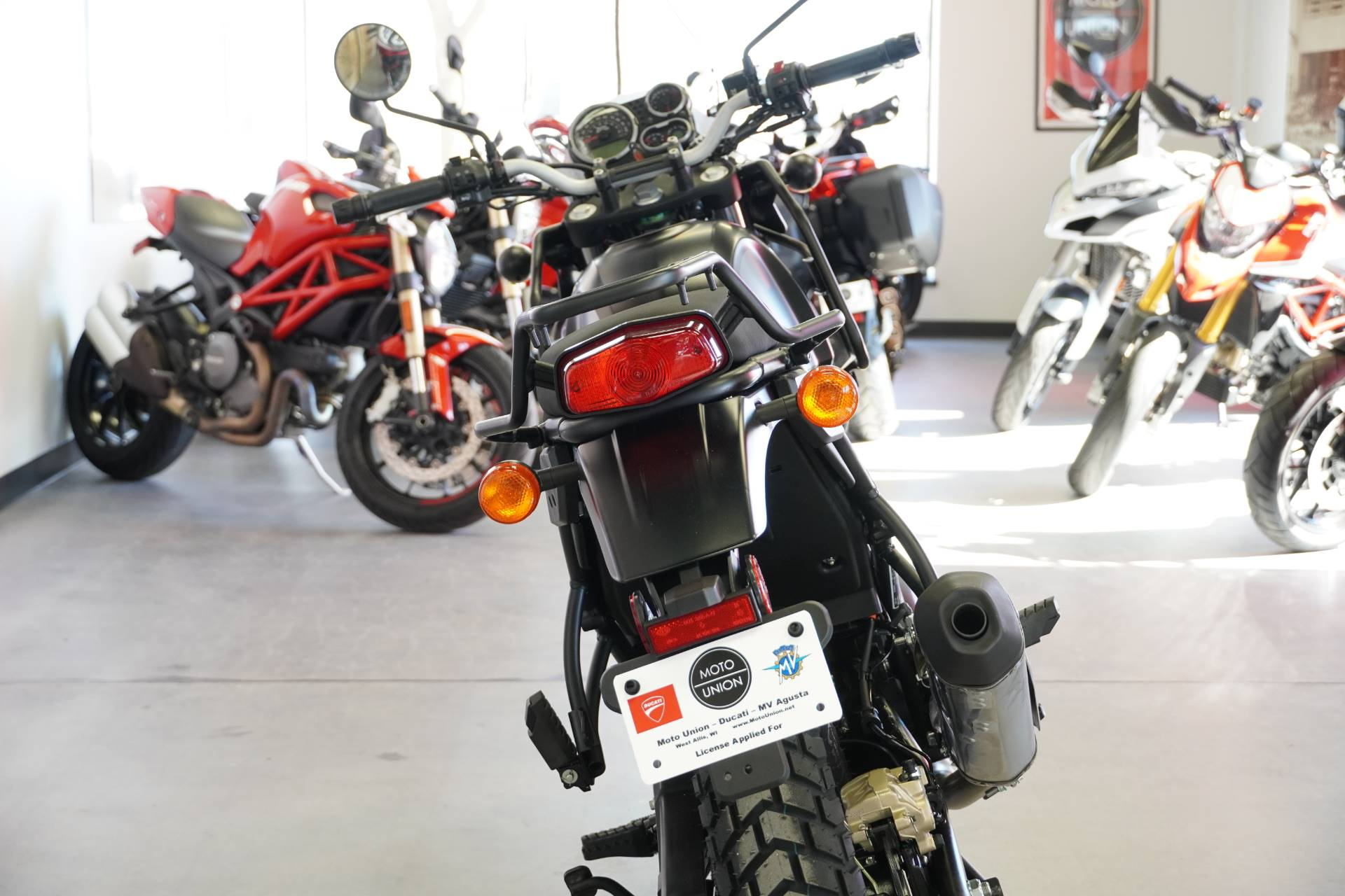 2021 Royal Enfield Himalayan 411 EFI ABS in West Allis, Wisconsin - Photo 3